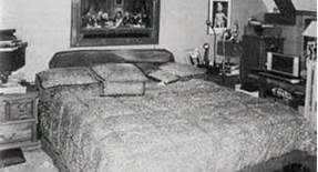 the master bedroom at neverland michael jackson foto