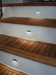 le de courtoisie d intérieur de bateau pour escalier