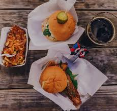 Try The Burgers, BLTs, And Mac 'n' Cheese From Gourmade Food Truck ...