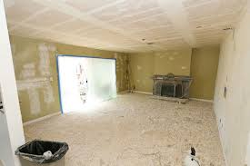removing a popcorn ceiling that contains asbestos
