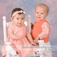 اجمل الاطفال التوام ** images?q=tbn:ANd9GcQ