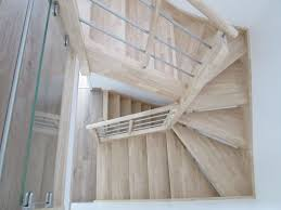 escalier vernis lasure vitrificateur quelles finitions
