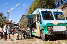 100 Food Truck Atlanta GA USA November 14 2015 People Stand In Line To