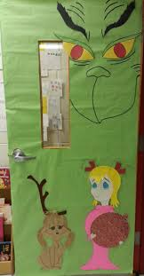 Christmas Classroom Door Decorating Contest by Best 25 Grinch Bulletin Board Ideas On Pinterest The Grinch