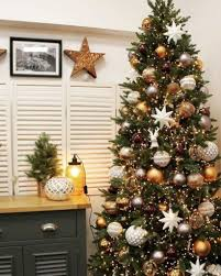 Elegant Rustic Christmas Tree Decoration Ideas 09