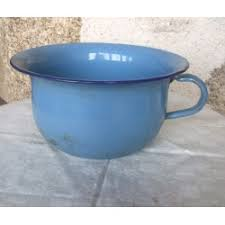pot de chambre ancien émaillé bleu broc23