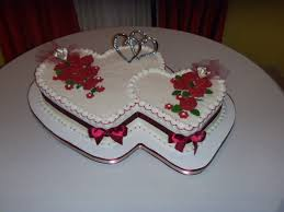 Cake Decoration Ideas With Gems by Best 25 Heart Shaped Wedding Cakes Ideas On Pinterest Pastel