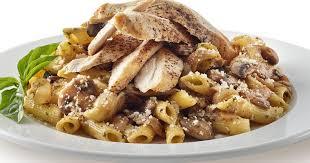 recette pâtes au poulet et à la crème de pesto et chignons de