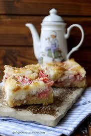 erdbeer rhabarber kuchen mit makronenguss experimente aus