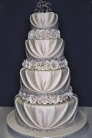 10 Pretty Romantic Wedding Cakes