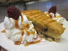 dessert avec creme fouettee le quart breton pipittes servi tiède avec crème fouettée et