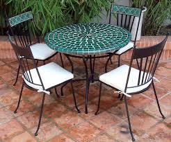 table ronde mosaique fer forge table mosaique verte les clos montbellet table