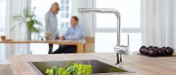 die richtige küchenarmatur wählen designtrends in der