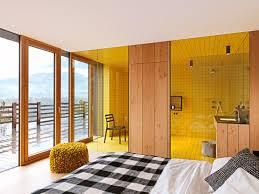 architektenhäuser glaswand zwischen bad und schlafzimmer
