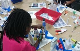 à l atelier éphémère les enfants imaginent le chelles du futur