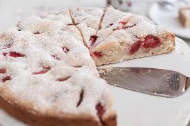saftiger erdbeer rhabarber kuchen
