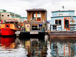 100 Lofts For Sale In Seattle 14 Houseboats And Floating Homes For Sale In Right Now