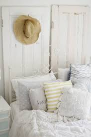 Cottage Bedroom Ideas by Best 25 Beach Cottage Bedrooms Ideas On Pinterest Cottage