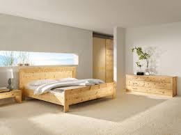 massivholz zirbenbett tares inkl 2 nachtkästchen in