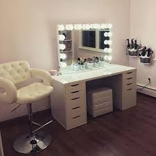 Diy Vanity Table With Lights by Best 25 Vanity Table With Lights Ideas On Pinterest Makeup