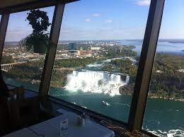 what s it like to eat at the tallest structure in niagara falls
