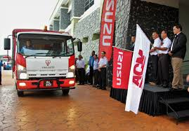 Isuzu Malaysia Delivers New ELF NPR Light Trucks To Tenaga Nasional ... Graphic Decling Cars Rising Light Trucks In The United States American Honda Reports June Sales Increase Setting New Records For Ledglow 60 Tailgate Led Light Bar With White Reverse Lights Foton Trucks Warehouse Editorial Stock Image Of Engine Now Dominate Cadian Car Market The Star Best Pickup Toprated 2018 Edmunds Eicher Light Trucks Eicher Automotive 1959 Toyopet From Japan Cars Toyota Pinterest Fashionable Packard Fourth Series Model 443 Old Motor Tunland Truck 4x4 Spare Parts Accsories Hino 268 Medium Duty
