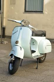 FileLight Blue Vespa GL Front