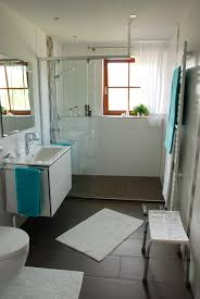 altersgerechtes bad mit begehbarer dusche wolfgang straub