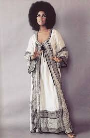 Fashion Musthaves For That Retro Look Sandro Fall Readytowear Show Power Modern Vintage Outfit Ideas