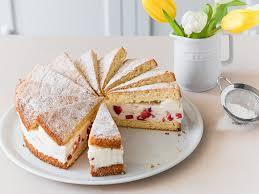 erdbeer quark sahne torte so einfach und lecker
