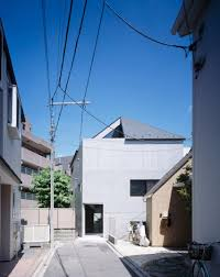 100 Apollo Architects Completes Earthquakeresistant House With