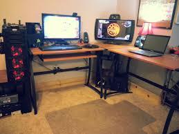L Shaped Computer Desk by Cool Computer Setups And Gaming Setups