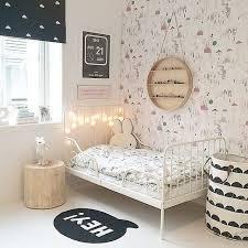 deco noir et blanc chambre noir et blanc la tendance chic pour déco enfant
