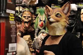 Spirit Halloween Sarasota Florida by Spirit Halloween Store Costumes Costume Shop Puts Campus In