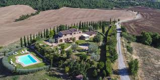 Restored 6 Bed Traditional Tuscan Farmhouse