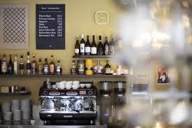 das plüsch café bar plüsch das wohnzimmer des quartiers