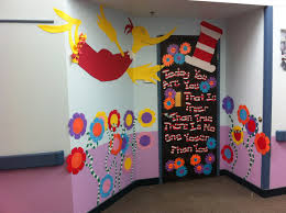 Classroom Door Christmas Decorations Ideas by Dr Seuss Door Christmas Decorating Dr Seuss Door Decorating
