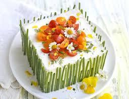 sandwich cake mit lachs gurke und tomaten