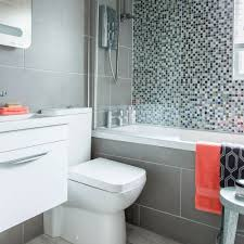 Small Bathroom Pictures Before And After by Before And After Check Out How This Small Bathroom Was Transformed