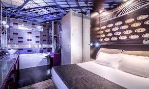 chambre baignoire balneo l apostrophe propose 5 chambres balnéo avec baignoire