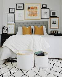 When You Use Gold And Black Frames Modern White Photos Abstract Art Youll Get A Beautifully Chic Gallery Wall