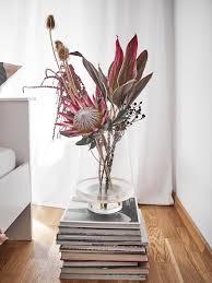 vasen dekorieren tipps schöne ideen westwing