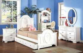 Kids Bedroom Furniture Set with Trundle Bed and Hutch 174