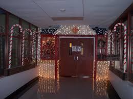 Winning Christmas Door Decorating Contest Ideas by Door Decorating Contest At My High 2010 Griswold