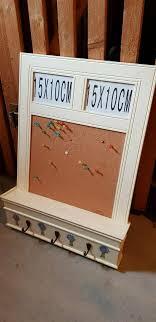 küchenregal mit pinnwand und fotoeinlass beige landhausstil