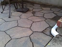 What should the ratio of crushed rock and sand for a paver patio