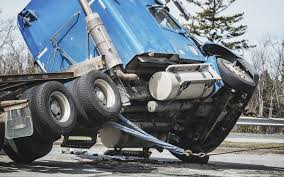 How Fault Is Determined In A Commercial Truck Accident | Injury Law