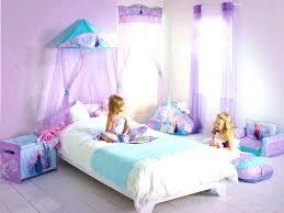 deco chambre princesse disney beautiful chambre fille princesse photos antoniogarcia