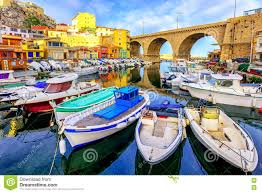 le petit port marseille petit port de pêche marseille photo stock image 72810781