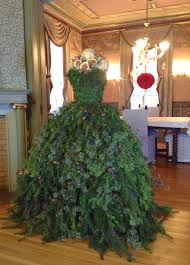 Saran Wrap Xmas Tree by 46 Fashion Inspired Christmas Trees Made From Dress Forms U2014 Style